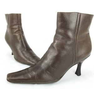 "BCBG Girls Brown Leather Ankle Boot Side Zip 3"" He"